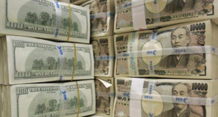 Доллар в Японии упал до рекордно низкого уровня с 1945 года