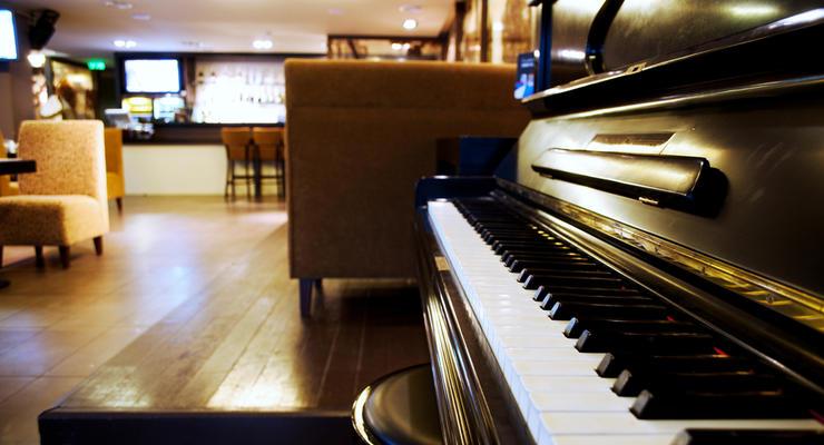 Сколько стоит музыка в кафе