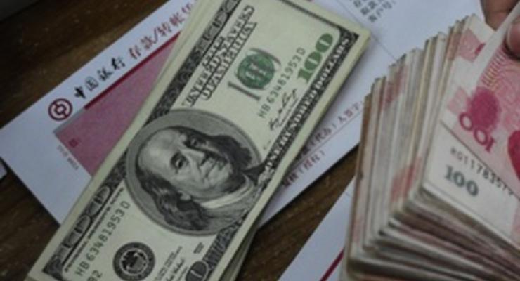 Межбанк: Доллар растет, евро - упал ниже 10,7 грн