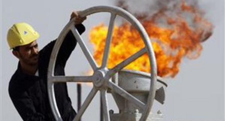 Эксперт: В случае нефтяного эмбарго против Сирии и Ирана нефть подорожает до $200