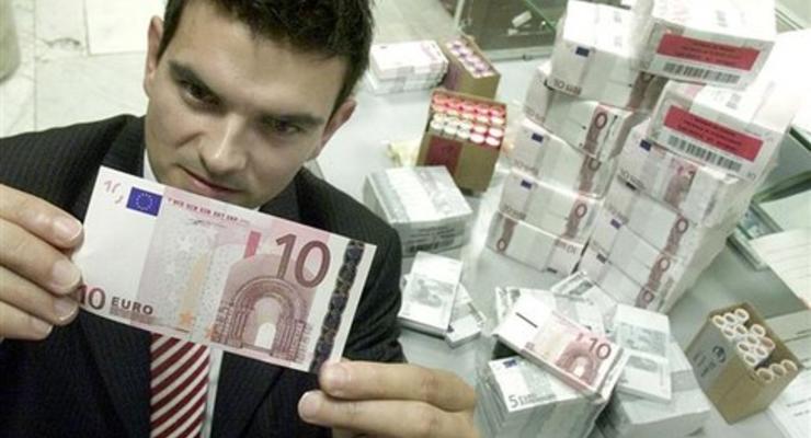 Евро переоценен на 10-20% по отношению к доллару - эксперт
