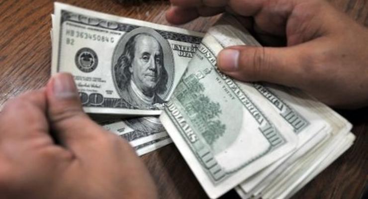 За 2011 год украинцы запаслись валютой на 13 млрд. долларов