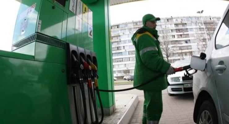 В феврале бензин дешеветь не будет - эксперт