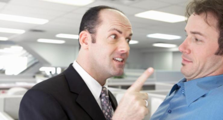 Офисный ад: как ущемляют работников крупных компаний