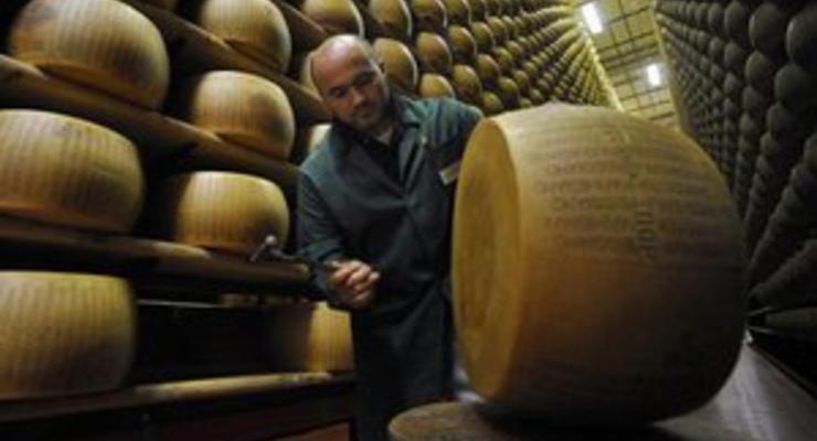 Роспотребнадзор изымает запрещенный украинский сыр десятками тонн