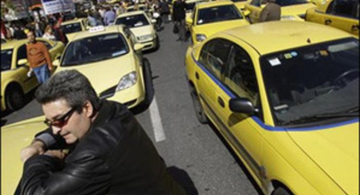 Таксисты в Валенсии объявили голую забастовку