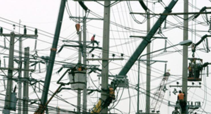 Азаров предложил Польше увеличить поставки электроэнергии