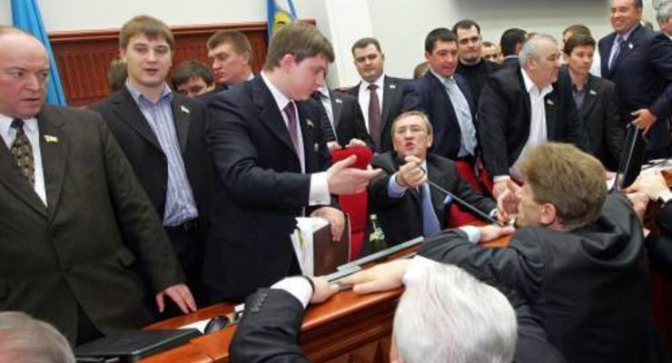Один депутат Киевсовета стоит нам 36 000 гривен в месяц