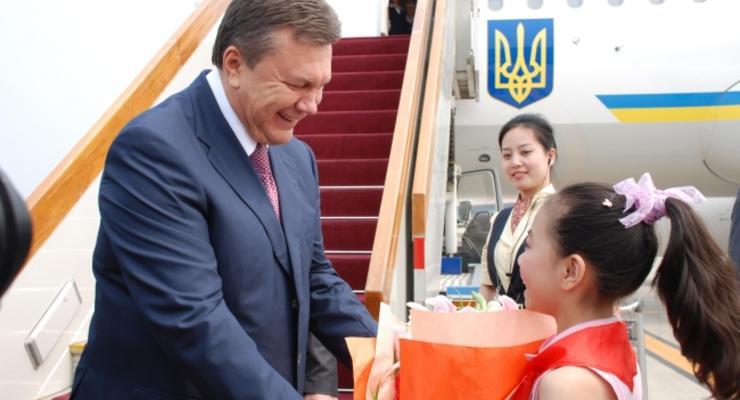 Янукович-писатель и нищая Герман: сколько получает власть