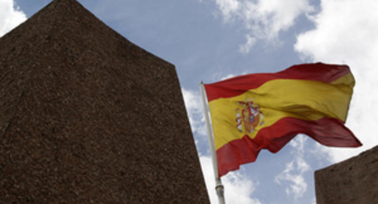 Испании не потребуется программа по спасению экономики - МИД Германии