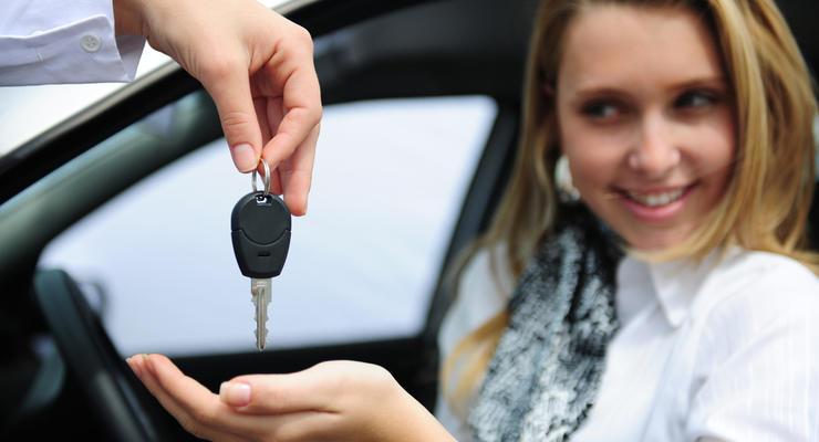 Слазь с машины: Автокредиты резко подорожали