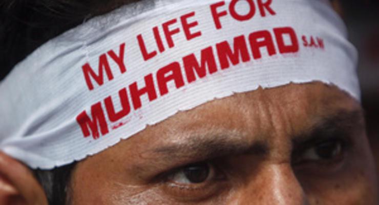В Германии ультраправая партия намерена зарабатывать деньги на показе Невинности мусульман