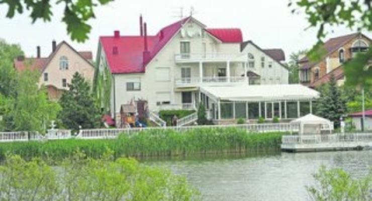Черновецкий продает свой особняк за $20 миллионов