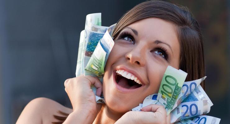 ТОП-10 зарплат года: кому платили 90 000 грн?