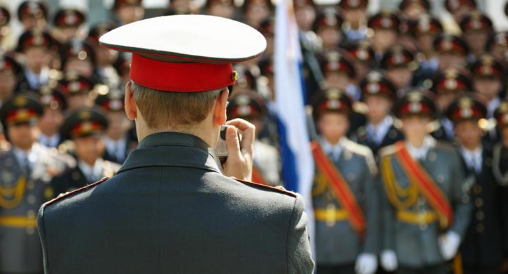 23 февраля: служба в армии помогает в карьере - исследование