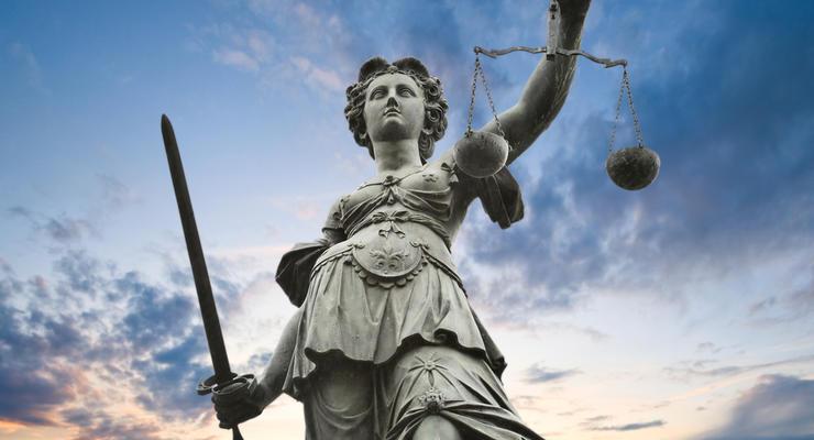Сколько стоит стать юристом: выбираем профессию