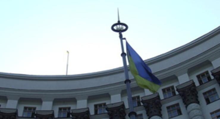 Азаров уверен, что новая инициатива Кабмина сделает невозможной утечку капитала из страны