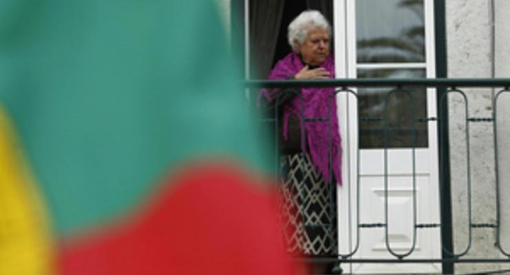 Отклонившая меры экономии Португалия попадет под удар рейтингового надзирателя
