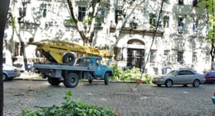 Кабмин пообещал предоставить Одесской области помощь для борьбы с последствиями урагана