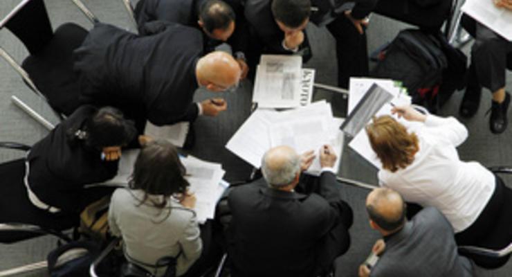 Корреспондент: Мздоимство и хамство чиновников делают Украину аутсайдером по качеству админуслуг