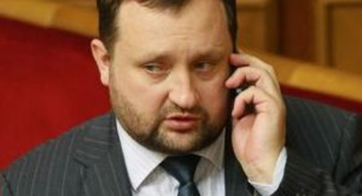 Ведомство Арбузова пытается занять у банков миллиарды ради нацпроектов, сражаясь за ставку кредита - Ъ