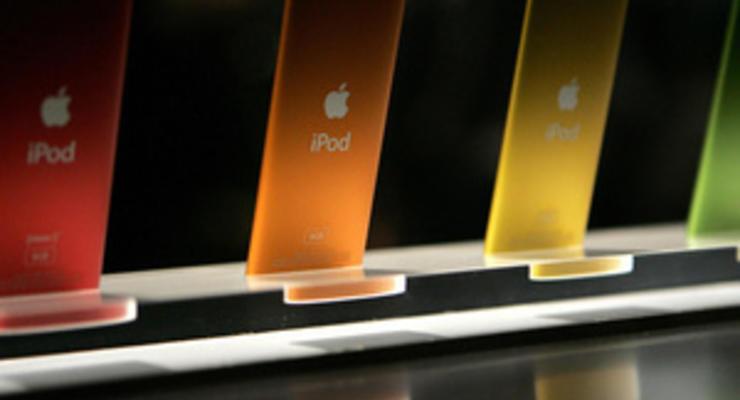 Apple задумалась о больших, дешевых и разноцветных iPhone