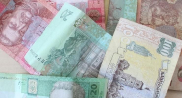 Новости из Америки развязали руки доллару на межбанке, обрушив евро на 15 копеек