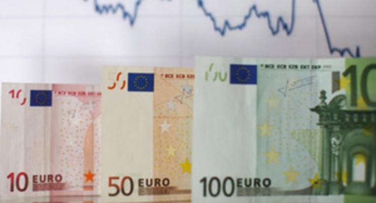 На качелях межбанка евро взмывает, доллар падает