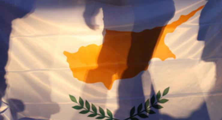 Украинские дочки кипрских банков не смогли найти новых владельцев - Ъ
