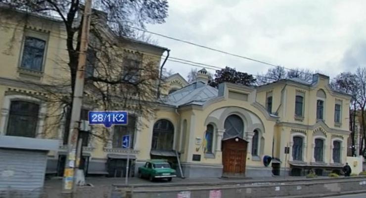 Кабмин Азаров решил потратить на Охматдет дополнительные 700 млн грн - СМИ