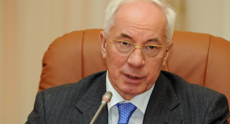 Азаров: Возобновление нормальных торгово-экономических отношений с Россией чрезвычайно важно для Украины