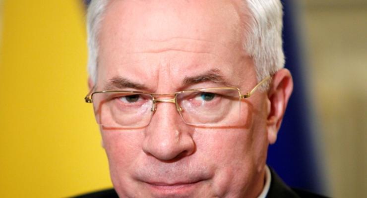 Азаров назвал ключевым вопросом национальной экономики нормализацию отношений с Россией