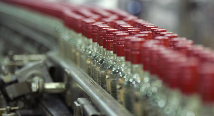 Украина ощутимо сократила производство водки, нарастив выпуск сигарет
