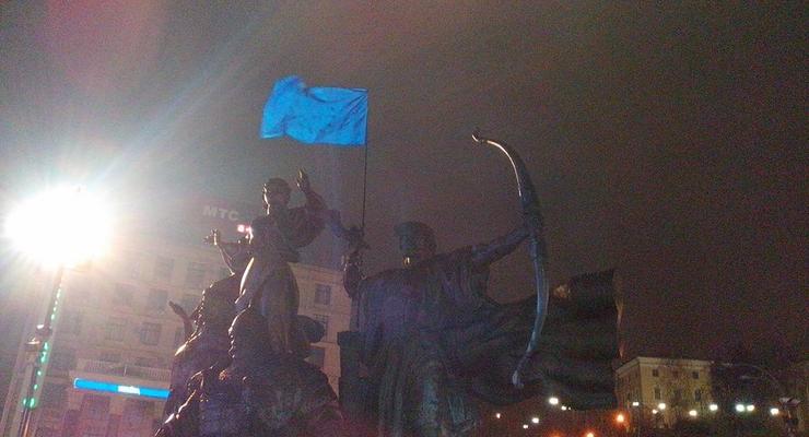 На Майдан продолжают прибывать украинцы, возмущенные остановкой евроинтеграции