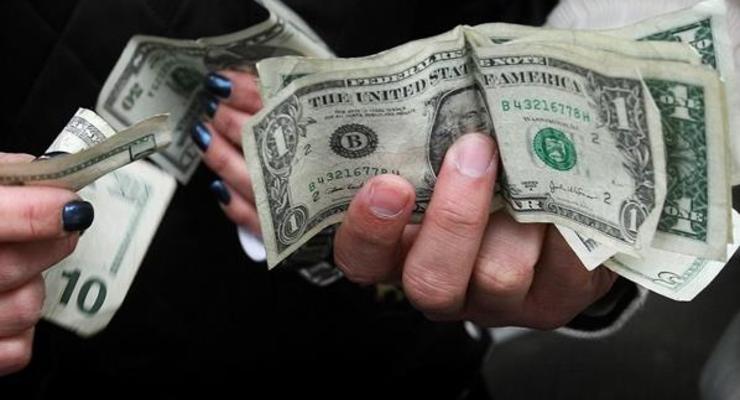 Нацбанк пояснил продление валютных правил