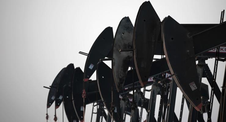 Иран рассчитывает добиться снятия санкций на экспорт нефти в течение полугода