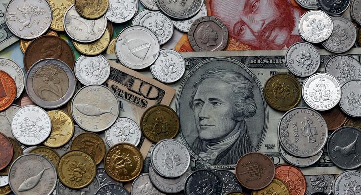 Курс валют: гривна цепляется за свои позиции