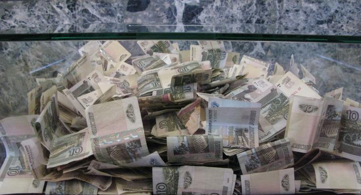 Россияне теряют доверие к рублю - DW