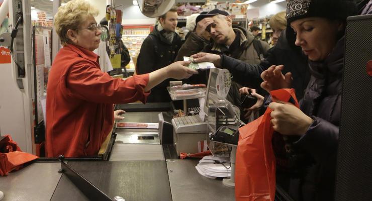 Жители Латвии жалуются на рост цен из-за перехода на евро