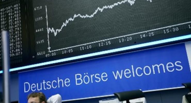 Биржи Европы закрылись снижением на  2,5%