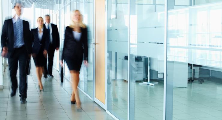 Опрос: сколько можно работать в одной компании