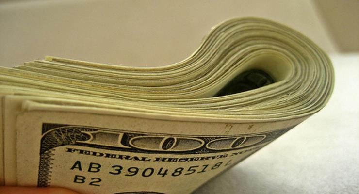 Межбанк открылся долларом по 12,10 грн