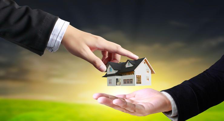 Банкам запретят отбирать квартиры за валютные долги