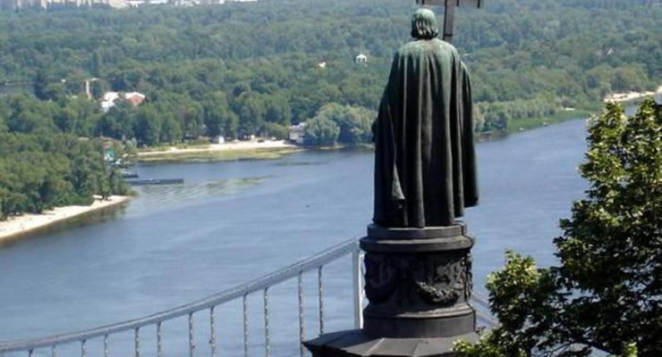 Киевэнерго отключает освещение памятников города из-за задолженности Киевгорсвета