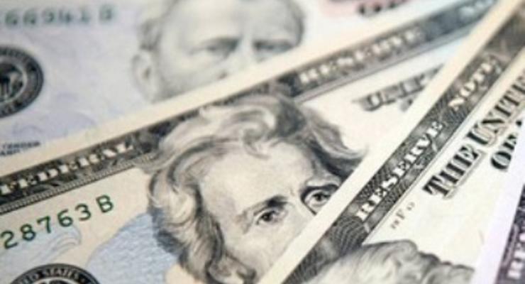Межбанк закрылся долларом по 12 гривен