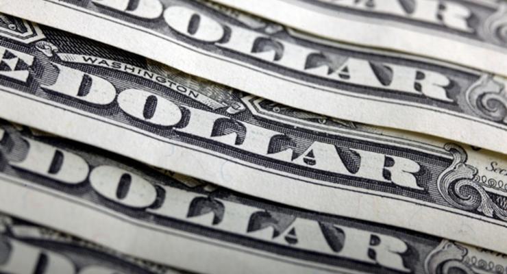 Доллар подешевел на закрытии межбанка