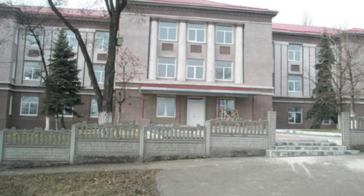 Школу Януковича отремонтируют на 20 миллионов