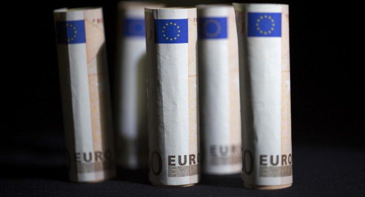 Евро на межбанке превысил отметку в 17 гривен
