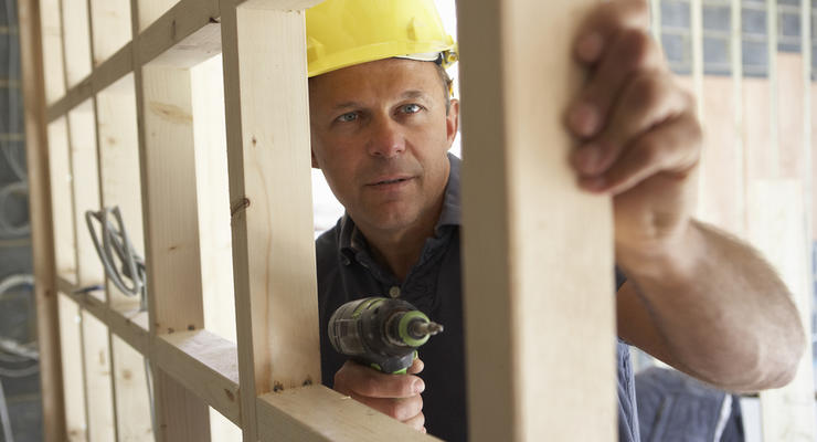 День строителя: легко ли найти работу современным зодчим