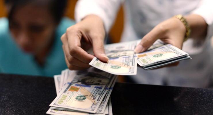 НБУ договорился с крупными банками о курсе 12,5 гривны за доллар